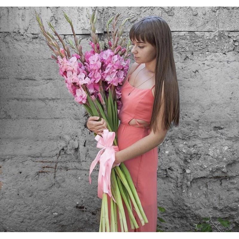 Высокие розовые красавцы