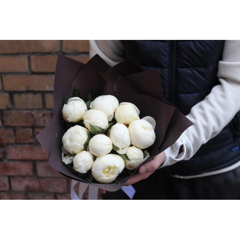 11 белых шариков