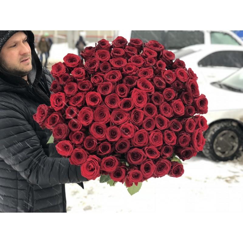101 роза Ред Наоми высота 80 см.