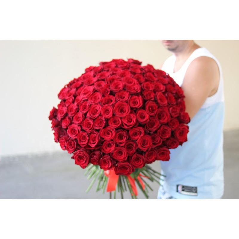 101 эквадорская роза высотой 60 см.