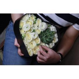 Белые розы с любовью!