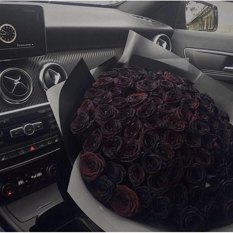 75 черных роз
