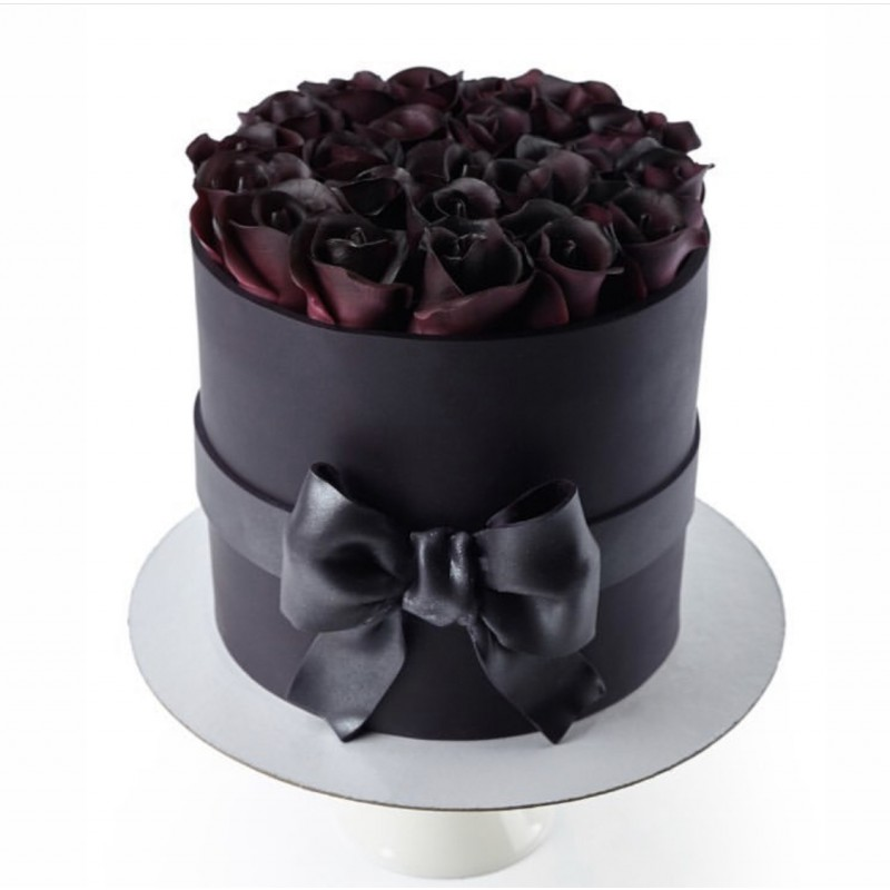 Черные розы в коробке