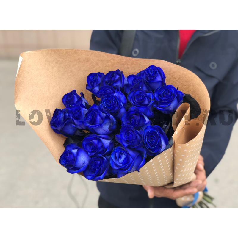 19 синих роз в крафте