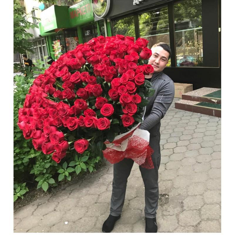 201 роза Эквадор  90 см.