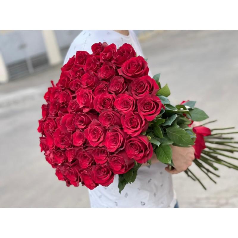 Красные розы высотой 90 см