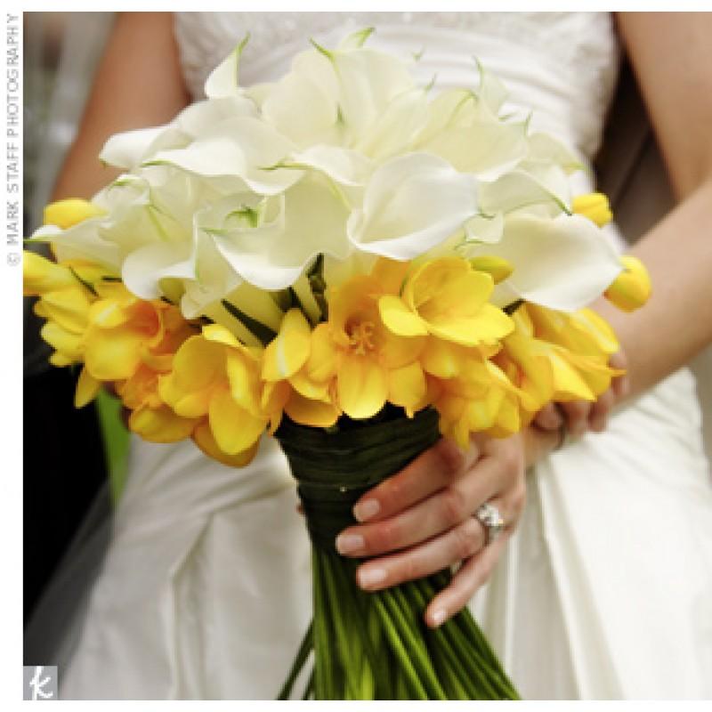 Белое на желтом